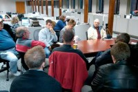 Reunión de redacción con asistencia de ciudadanos en The Register Citizen