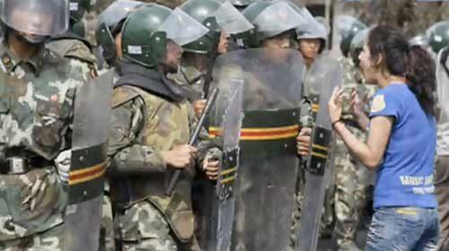 China amenaza con la pena de muerte para los manifestantes en Xinjiang