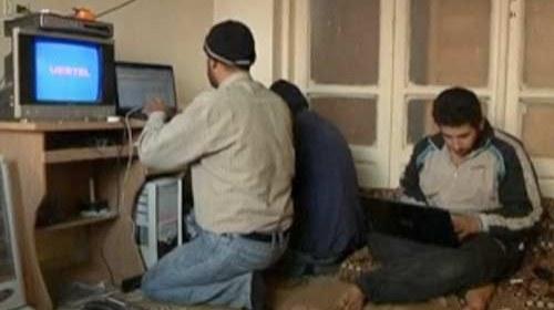 Así suben sus vídeos los periodistas ciudadanos en #Siria