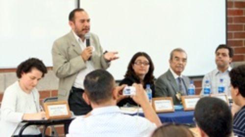 Debate sobre el periodismo ciudadano en la VI Convención Internacional de Salvadoreños en el Mundo