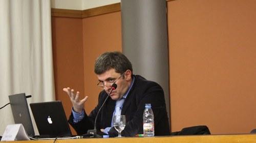 """Mario Tascón y el Manual de estilo Fundéu: """"un lugar que crece con las aportaciones de todos"""""""