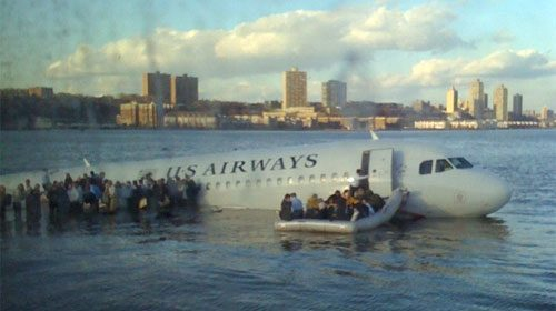 Twitter difunde las primeras informaciones sobre el accidente de aviación en el río Hudson