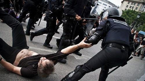 #15M #AcampadaGranada Comunicado de Prensa 27/05/11 en relación con el desalojo de #AcampadaBCN