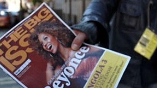 """The Big Issue convierte a sus vendedores """"sin techo"""" en reporteros ciudadanos"""
