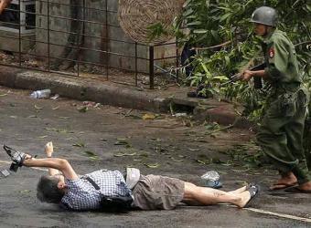 fotografo_japones_kenji_nagai_poco_morir_disparo_soldado.jpg