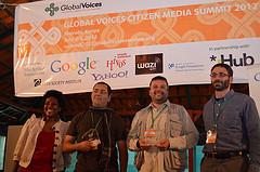 Ganadores del Breaking Borders Awards y representantes de Global Voices y Google