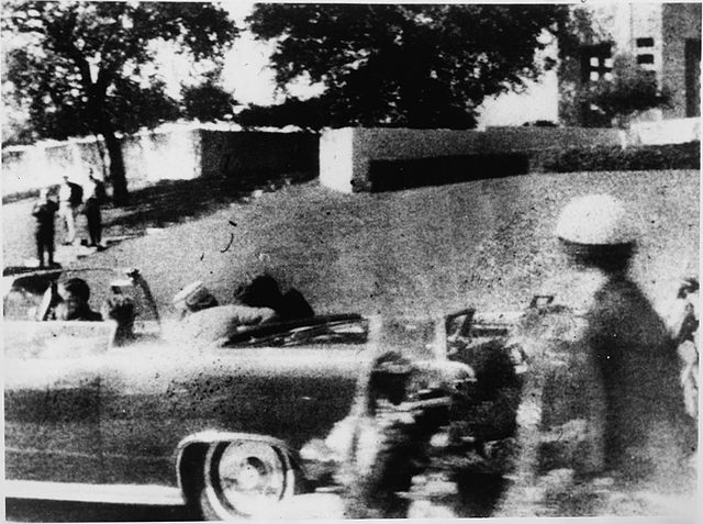 Recorte de la foto de Mary Moorman del asesinato del presidente John F. Kennedy