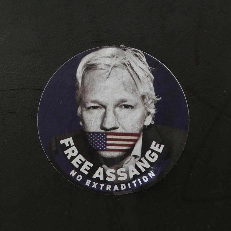 ¿Amenaza la libertad de prensa y la democracia el proceso de extradición de Julian Assange?