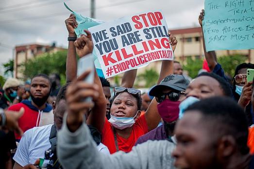 EndSARS: Smartphones, UGC y redes sociales para luchar contra la Violencia policial en Nigeria